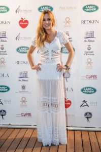 Berta Collado vestida de Charo Ruiz Ibiza