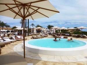 Piscina hotel Pachá Ibiza