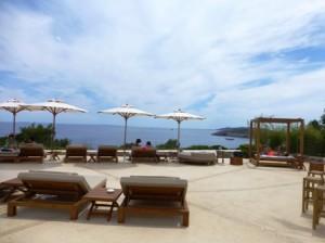 Piscina hotel Destino Ibiza Pacha