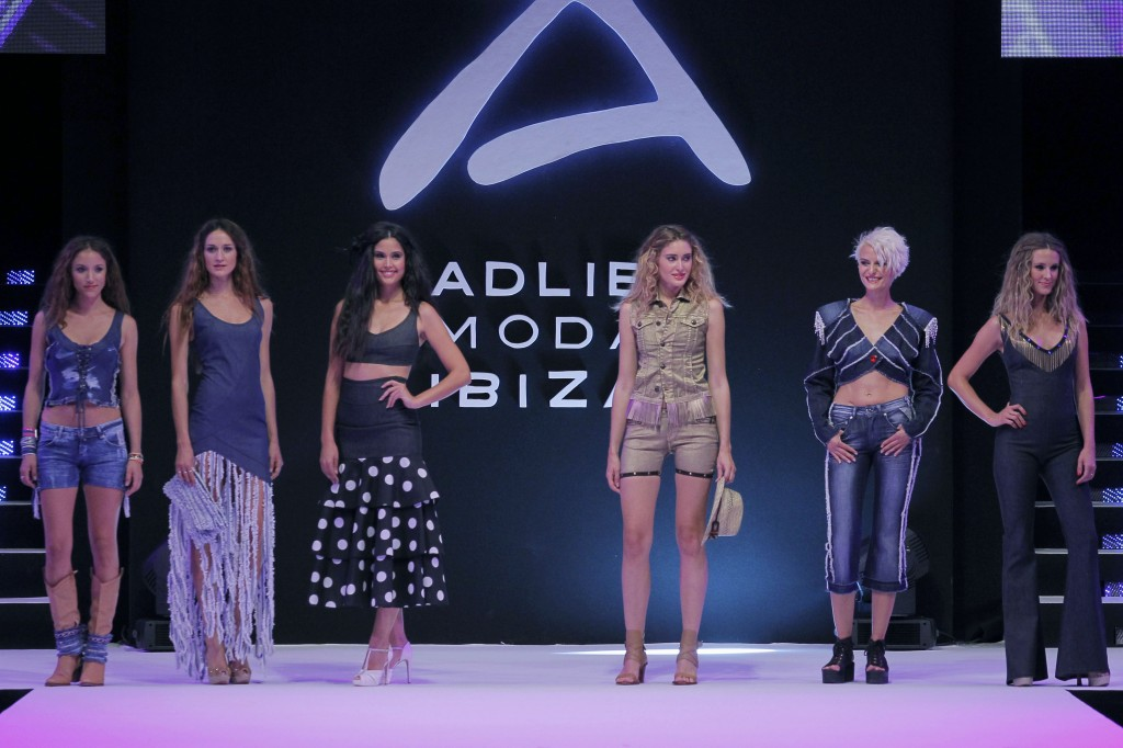 Tanit Jeans moda adlib Ibiza