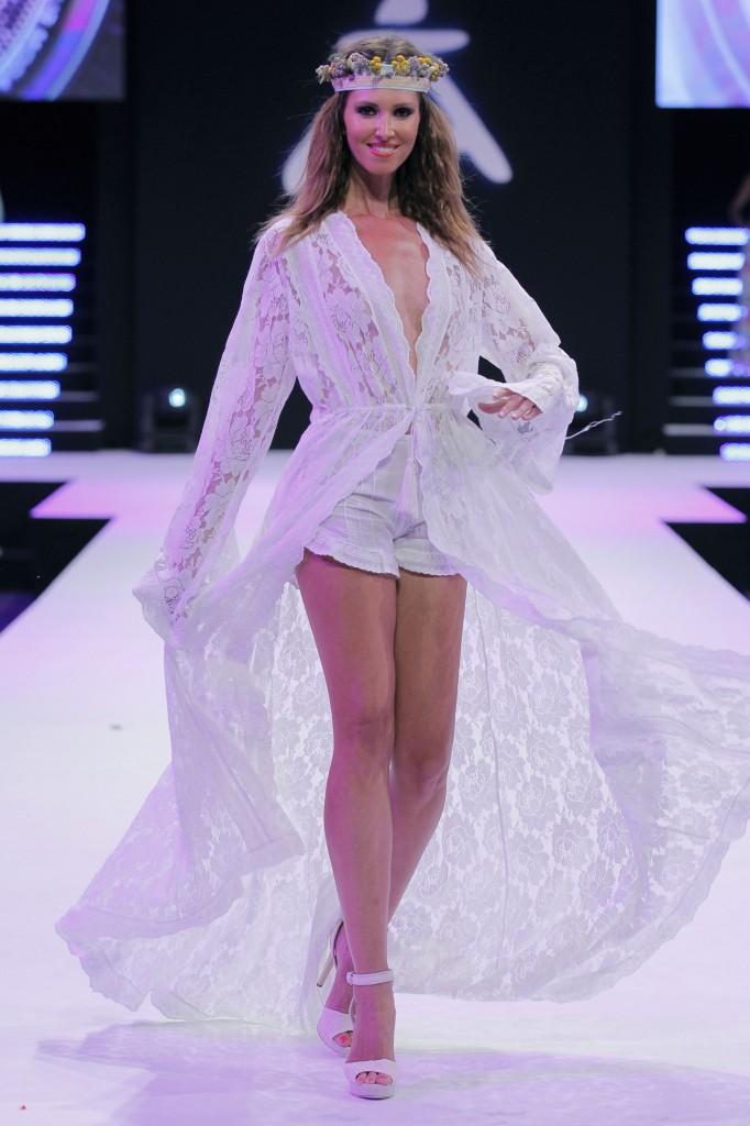 Ana Vide vestida de Vintage Ibiza