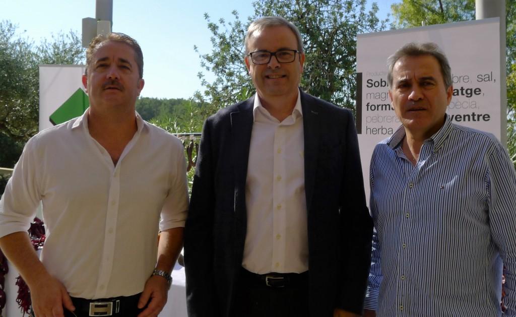 El presidente del Consell con Pedro Tur y Paco Ayala